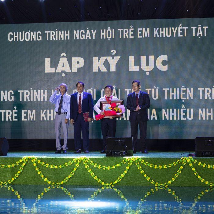 Công ty Hòn Tằm Biển Nha Trang lập Kỷ lục Việt Nam với chương trình Ngày hội Trẻ em khuyết tật